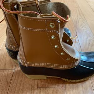 L.L. Bean Boot brand new never laced!